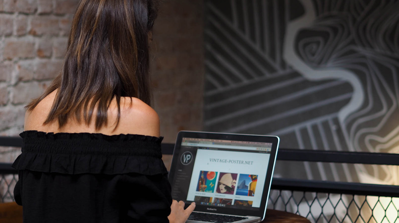 Digital nomade og globetrotter Anne-Li Gownsandroses arbejder remote som blogger