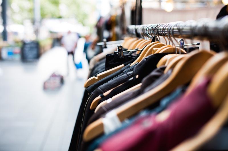 Byt tøj med dine venner for at være god mod miljøet og spare penge