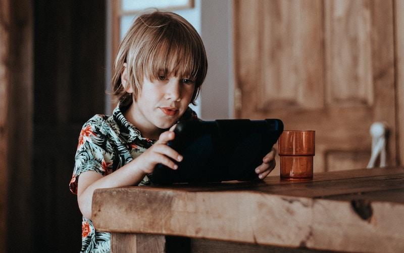 børn penge opdragelse digital ipad