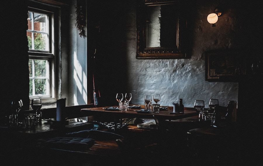Billige borde på restaurant