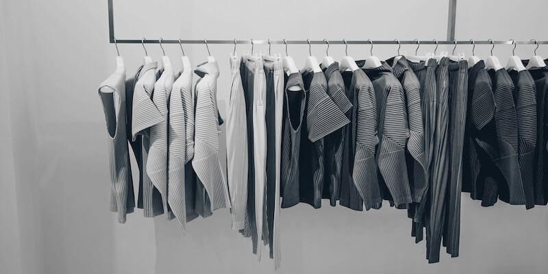Spar penge på tøj med en capsule wardrobe